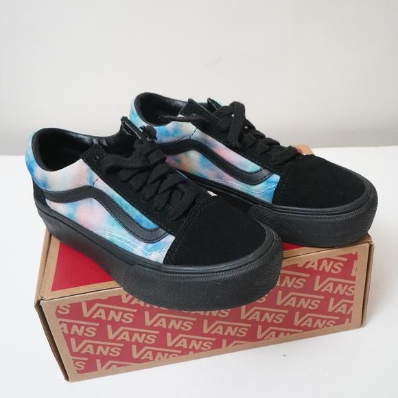 a0ea1077ff Vans Old Skool Velvet Tie Dye Platform Skate
